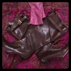 CEASAR PACIOTTI Chocolate low heel BOOTS